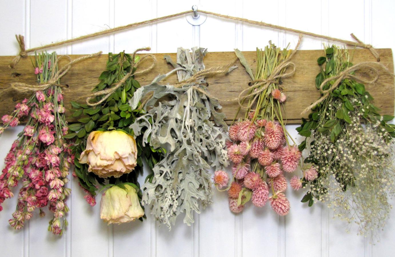 Vyrobte si interiérové dekorácie zo sušených kvetov
