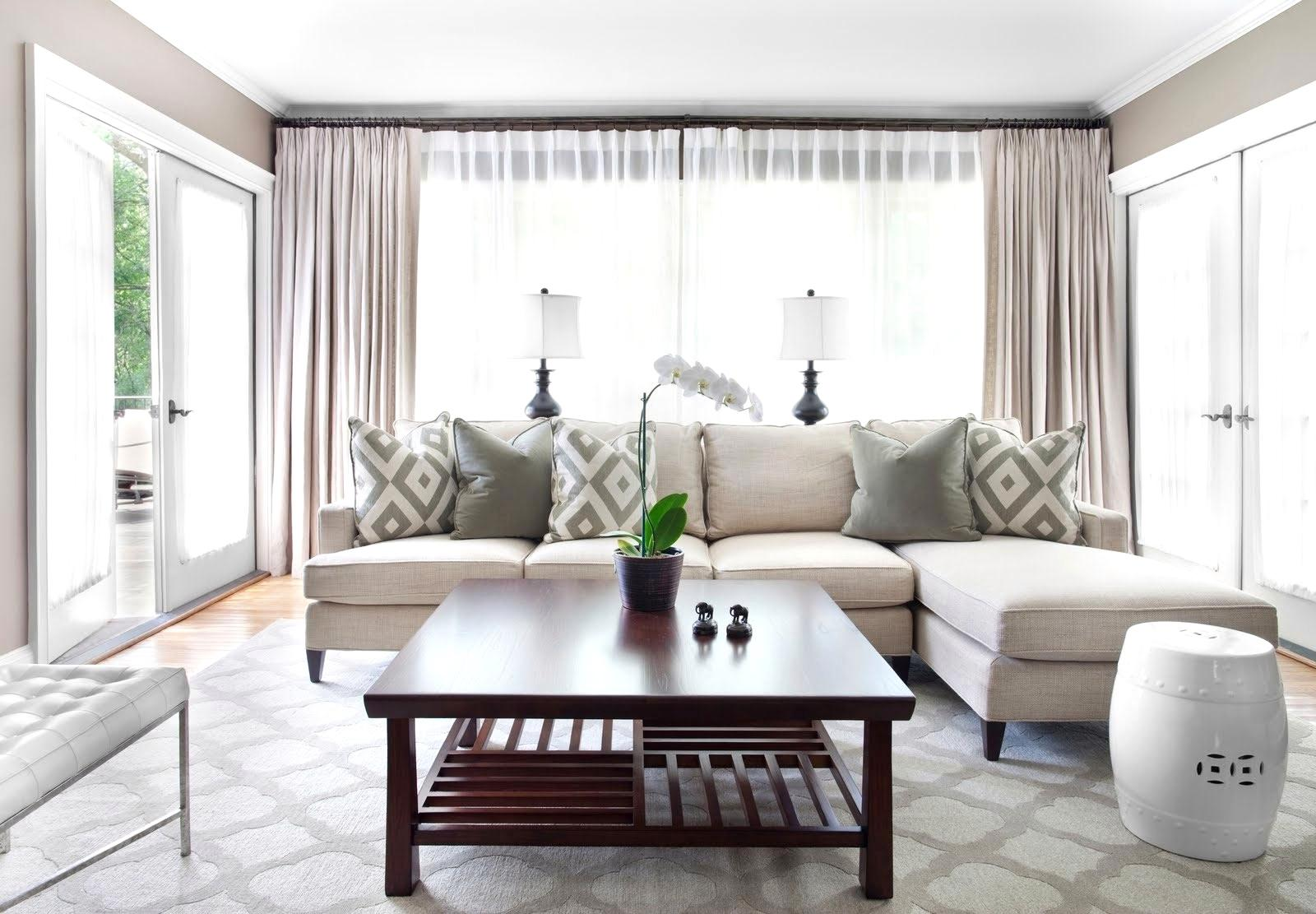 Aké záclony si zaobstarať do interiéru? Krátke versus dlhé.