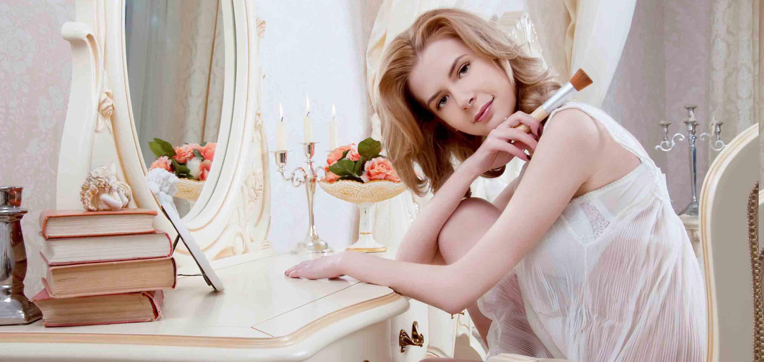 4 dôvody, prečo každá žena ocení toaletný stolík