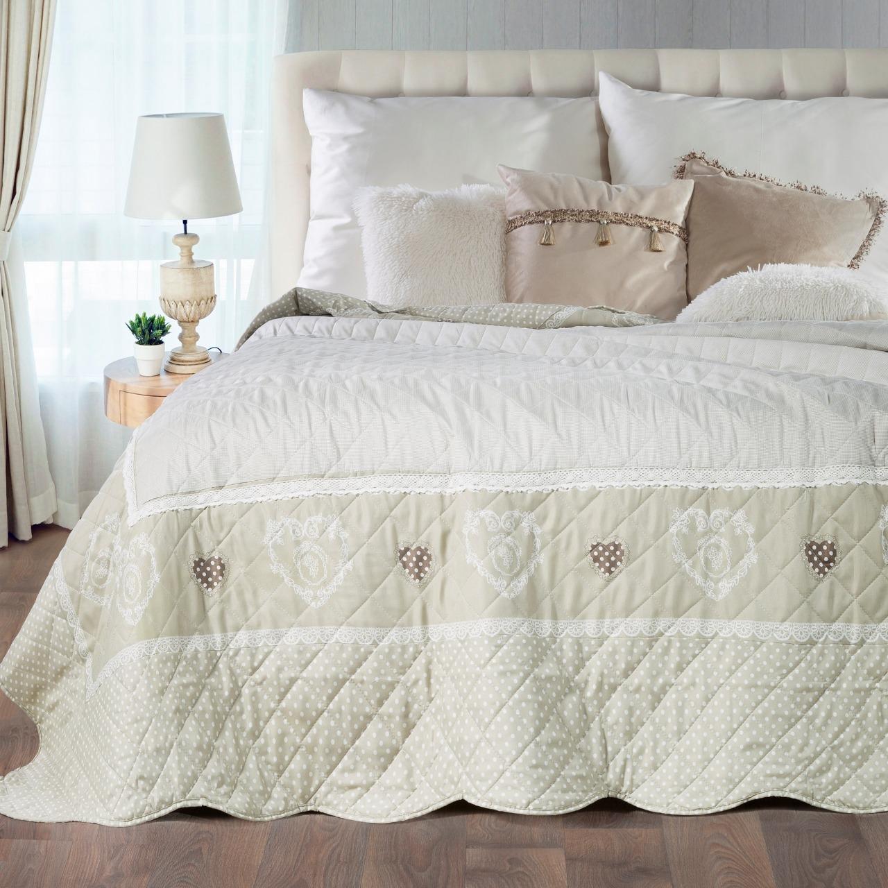 Luxusné spálne na počkanie? Stačí vybrať ten správny prehoz