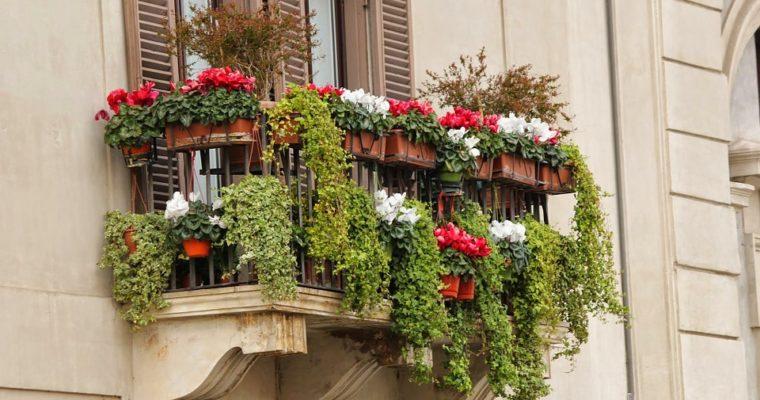 4 tipy, ako si zútulniť balkón