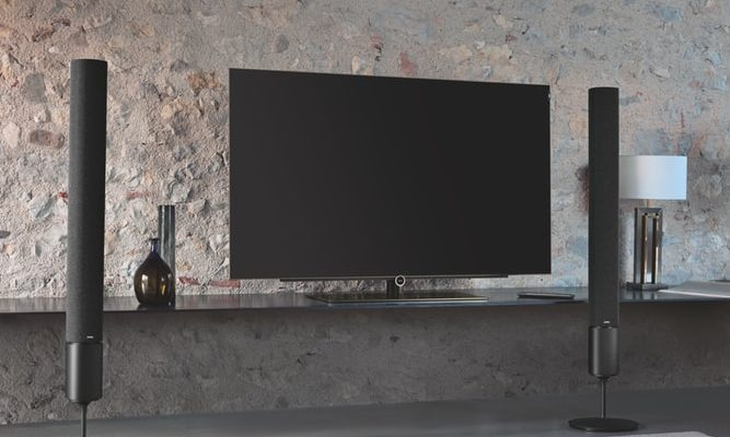Ako schovať televíziu? 3 elegantné spôsobia aj do vašej obývačky