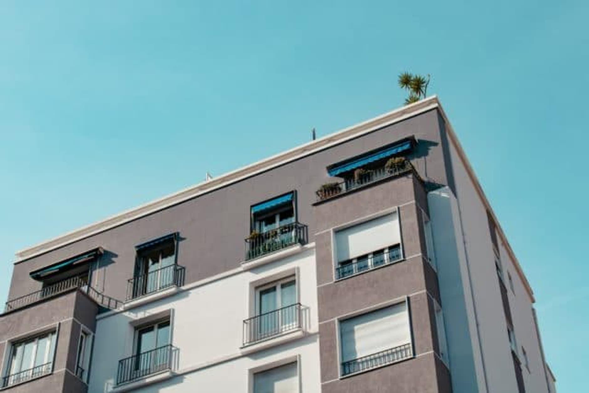 nové_bývanie_balkón_bytovka (1)
