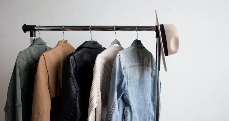 Ako správne zazimovať letný šatník