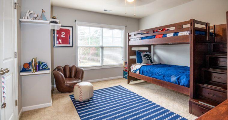 Ako vybrať poschodovú posteľ či palandu do detskej izby