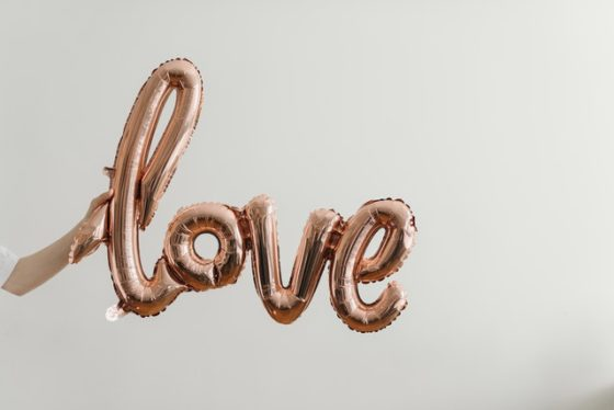 tipy na darceky na valentina - balon love